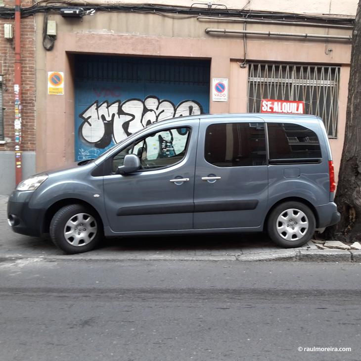 Diseño de furgoneta Peugeot Partner Tepee antes, diseño publicitario en Madrid