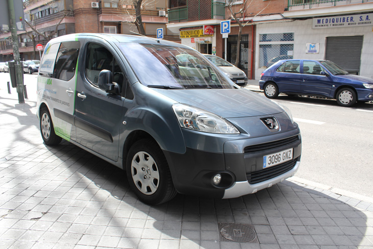 ejemplo rotulado furgoneta Peugeot Partner Tepee foto 6, diseño publicitario en Madrid