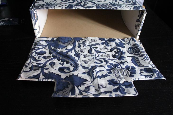 forrar cajas de cartón con tela de cortina