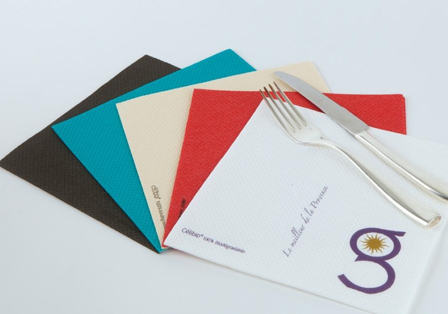 diseñador de servilletas impresas para hoteles y restaurantes